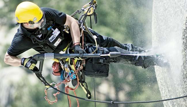 работа промышленного альпиниста