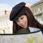Как должна вести себя женщина при путешествии в одиночку?