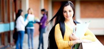 девушка в колледже