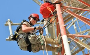 Как обеспечить безопасность высотных работ